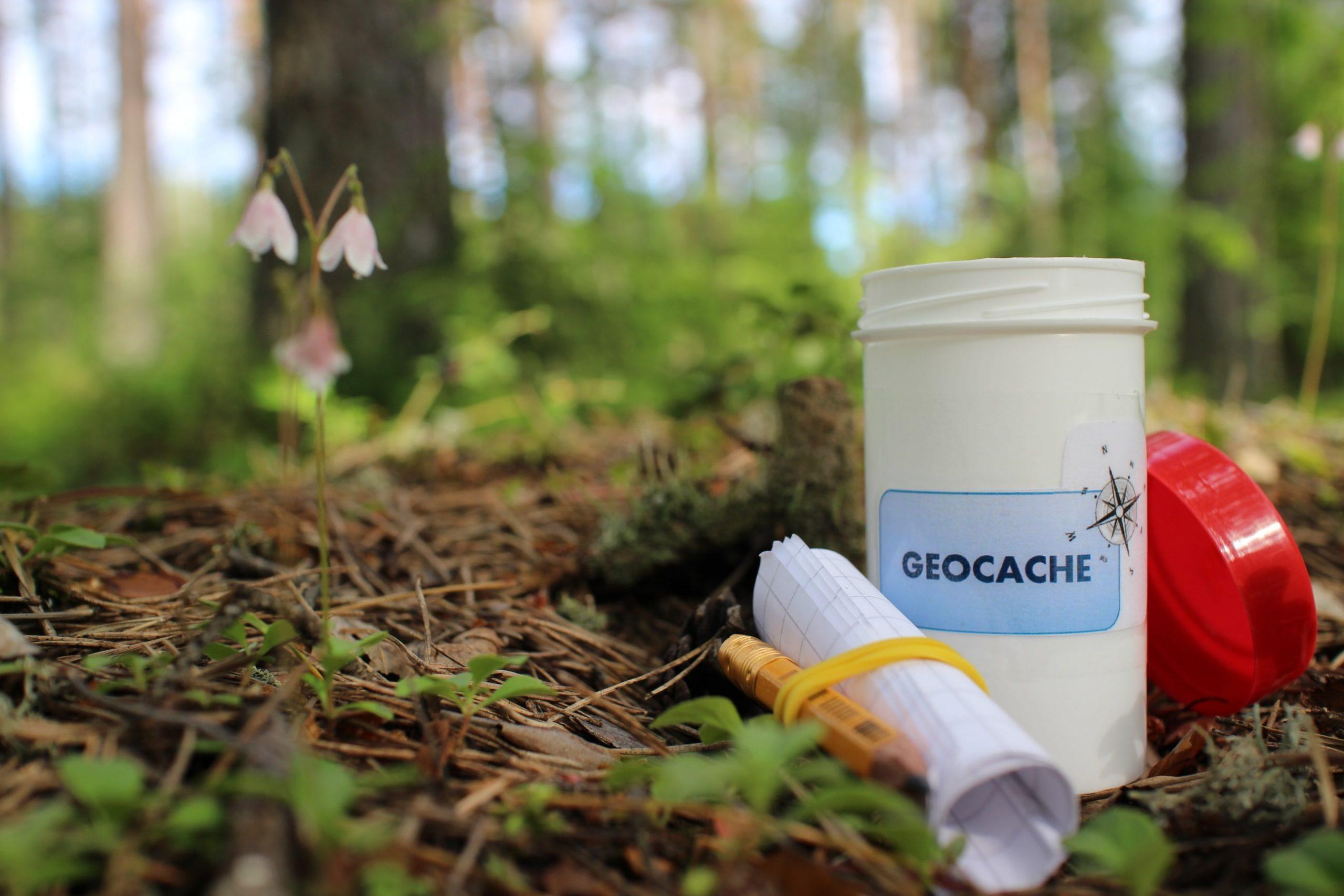 Geocaching: un joc internațional de vacanță
